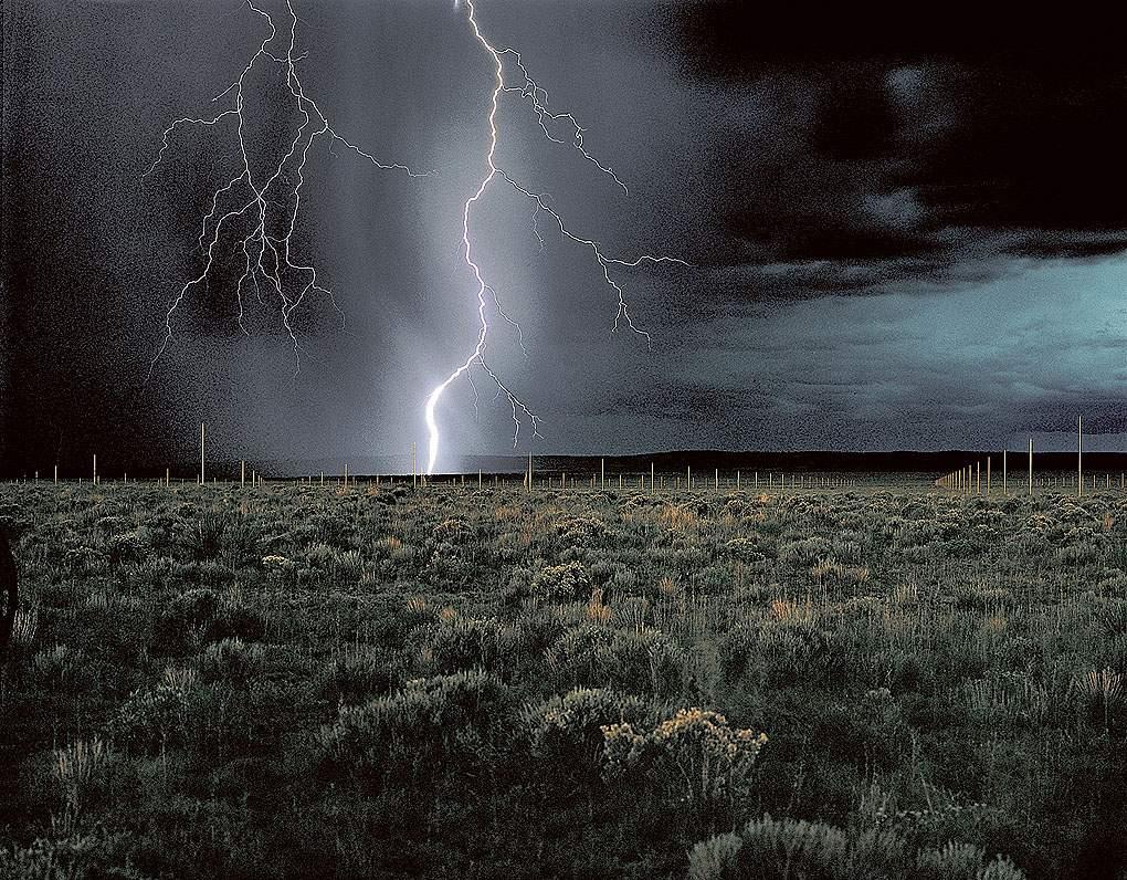 W. De Maria, Lightning Field, 1977